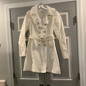 White button down trench coat with silver buttons